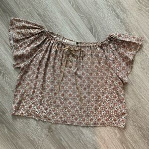 Off the shoulder boutique top